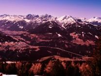 24 03 2019 Blick vom Patscherkofel ins Stubaital Tirol Austria Bild Mautstelle SchËÜnberg St