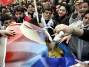 Radikale Studenten in Teheran zerreißen Obama-Bilder, dpa
