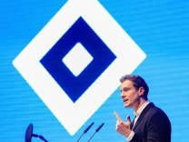Deutschland , Hamburg , Edel Optics Arena , Fussball , 2 Bundesliga , Mitgliederversammlung des Hamburger SV Marcell Ja