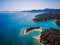 Croatia Cres Adriatic Sea Aerial view PUBLICATIONxINxGERxSUIxAUTxHUNxONLY DAWF00709