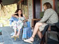 Michael Moritz und Anna Baranowski -  Gestrandet in Nepal