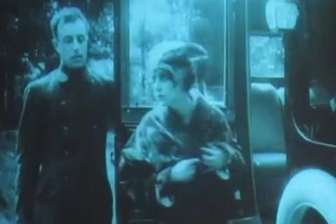 """il fuocco Stummfilm Tommaso Farinetti spielt eine Live-Vertonung zu den ersten Szenen des italienischen Stummfilmes """"Il fuoco"""" (1916) von Giovanni Pastrone."""