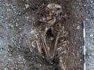 Beigabenloses Skelett einer Frau