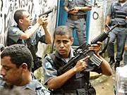 Polizei in Favelas von Rio; AFP