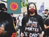 Brasilien, Bolsonaro-Gegner demonstrieren in Manaus MANAUS, AM - 02.06.2020: MANIFESTA´âˆöO AMAZONAS PELA DEMOCRACIA AM -
