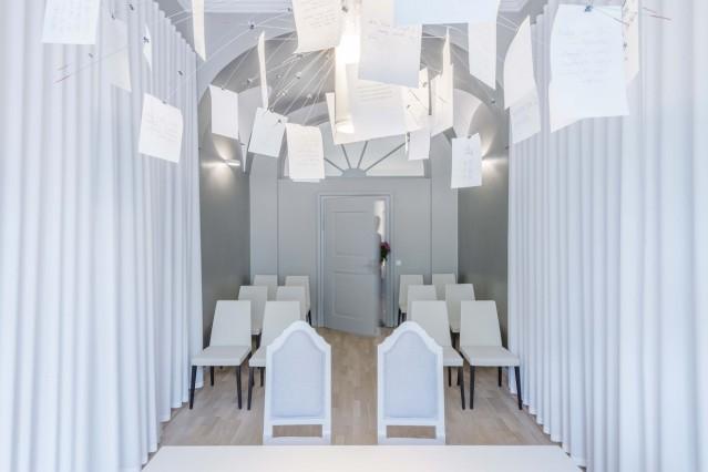 Trauungsraum Altötting, Fotocredit: studio lot Architekten & Innenarchitekten, Altötting; Foto: Antje Hanebeck