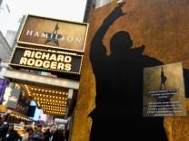 """""""Hamilton"""" bei Disney Plus: Flotte Lieder über die Länge von Amtszeiten"""
