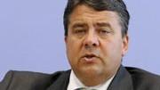 Fordert von Merkel eine Distanzierung: Sigmar Gabriel; dpa