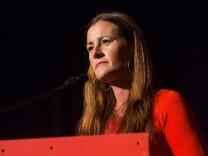 Kassel Wahlkampfveranstaltung der Linken Hessen zur Landtagswahl 2018 Janine Wissler bei der Wahlkampfveranstaltung der