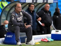 Leeds United v Luton Town - Sky Bet Championship - Elland Road Leeds United manager Marcelo Bielsa sits on his stool pit