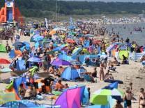 Volle Strände auf Usedom in der Ferienzeit