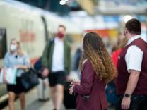 Deutsche Bahn präsentiert neue Bekleidung der Bahnmitarbeiter