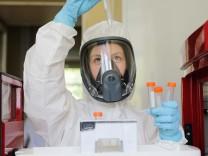 Russland, Weltweit erster Corona-Impfstoff zugelassen  (200811) -- MOSCOW, Aug. 11, 2020 (Xinhua) -- Photo provided by R