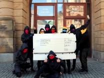 Onlinerechte: ja Beschreibung: Ausstellung Chemnitz Antifa Credit: Peng! Kollektiv
