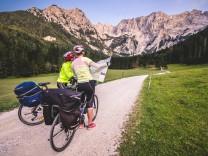 Mountainbike around the village of Jezersko