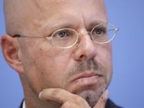 Andreas Kalbitz, AfD, Spitzenkandidat der AfD in Brandenburg, PK zu Auswirkungen des Wahlsonntages auf die Bundespoliti