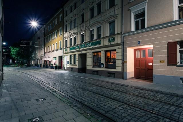 Pressebilder: Farbenladen / Geschlossene Gesellschaft