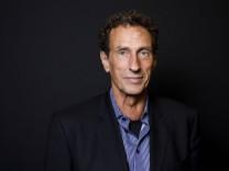 Julian Nida Rümelin bei der Podiumsdiskussion Digitaler Humanismus Eine Ethik für das Zeitalter der
