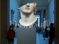 Metropolitan Museum of Art reopens