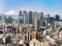 Tokyo skyline and Mountain fuji in Japan PUBLICATIONxINxGERxSUIxAUTxONLY Copyright xvichie81x Pan