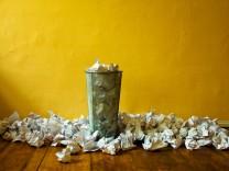 mülleimer,papier,papierkorb,zerknüllt *** trash,paper,basket,rumpled frc-202