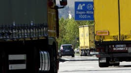 Anschlagserie an Autobahnen