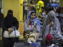 Frauen in Addis Abeba, aus Saudi-Arabien ausgeflogen