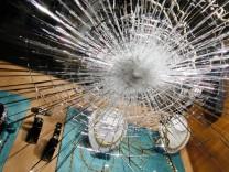 Juweliergeschäft - Zerborstenes Schaufenster
