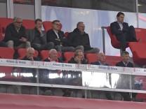 18.09.2020, Fussball 1. Bundesliga 2020/2021, 01. Spieltag, FC Bayern München - FC Schalke 04, in der Allianz-Arena Mün; Bayern Schalke Tribüne Funktionäre