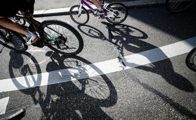 Familien-Fahrraddemonstration in Stuttgart