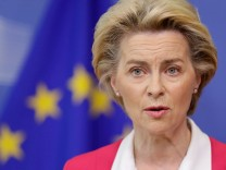 FILE PHOTO: European Commission President Ursula von der Leyen and European commissioners Schinas and Johansson brief the press after the college of EU commissioners