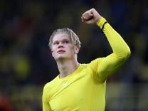 Borussia Dortmund v Sport-Club Freiburg - Bundesliga