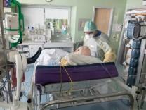 Coronavirus in Deutschland: Mehr als 19 000 neue Corona-Fälle