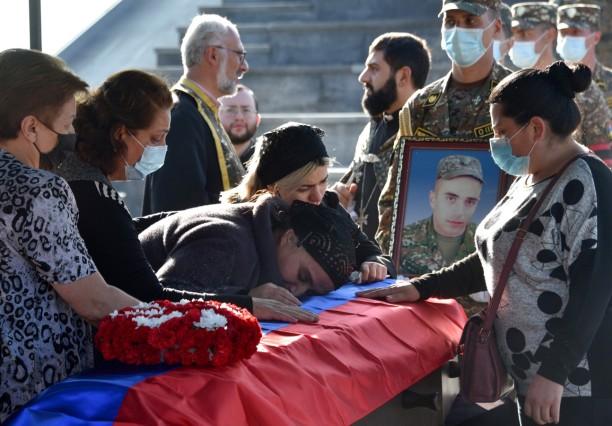 Armenien Und Aserbaidschan Von Ruhe Keine Spur Politik Sz De