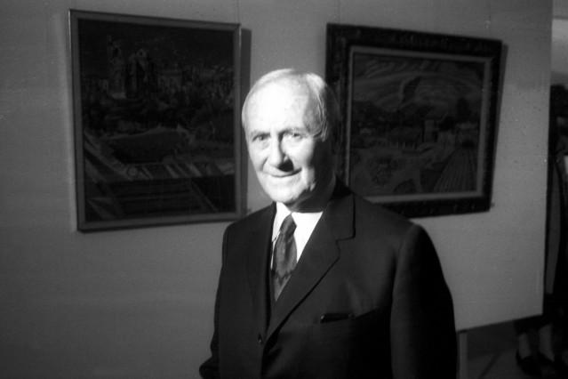 Maler Joan Miro besucht seine Ausstellung im Haus der Kunst in München Deutschland