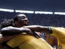 Torjubel Brasilien u.a. mit Pele (hinten) und Jairzinho (re.); Pelé