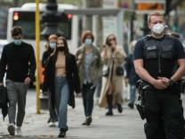 Corona-Pandemie: Merkel will am Mittwoch über neue Regeln beraten