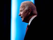 President-elect Biden holds talks with state governors