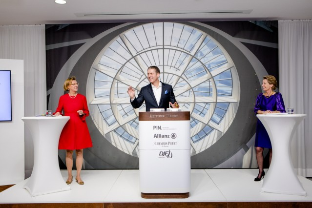 Pin-Auktion 2020 als Online-Live-Stream bei Ketterer Kunst: Dorothée Wahl (Pin-Vorstand), Robert Ketterer (Auktionator), Katharina von Perfall (Pin-Vorstand) (von links)
