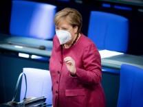 Coronavirus in Deutschland: Merkel stellt neue Corona-Beschlüsse im Bundestag vor