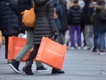 Coronavirus-Newsblog für Bayern: Einzelhandel:Start ins Weihnachtsgeschäft ernüchternd