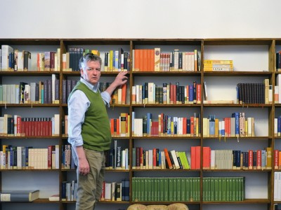 """Bibliothek ungelesener Bücher: """"Ich versuche, Mutmaßungen aus den Menschen herauszukitzeln"""""""