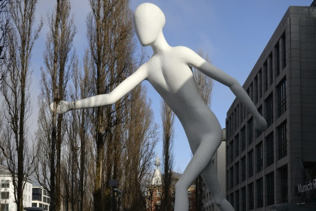 Kunst im öffentlichen Raum - Walking Man