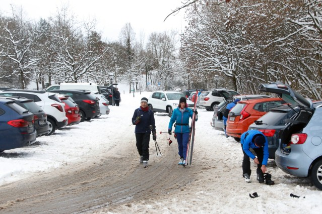 Längläufer auf der Hadorfer Loipe; Langläufer auf der Hadorfer Golfplatzloipe