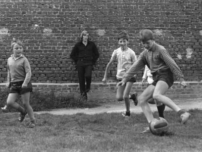 Fußball-Literatur: Spielen für die bessere Welt