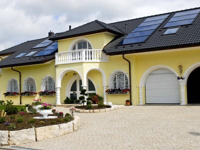 Deutsche Bausünden und Putins Palast: Wenn das XL-Moment das Leben parodiert