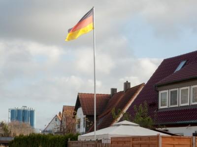 """Juli Zehs """"Über Menschen"""": Mein Freund, der Nazi"""
