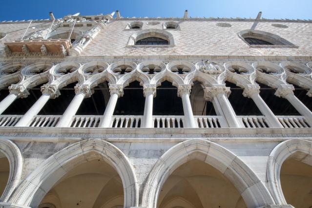 Die Coronakrise trifft Venedig mit aller Härte. Die sonst völlig überfüllte Altstadt ist im Sommer 2020 teilweise mensch