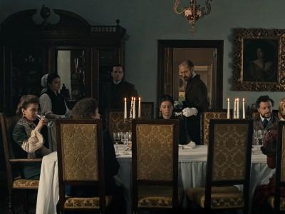 """Mubi-Film """"Malmkrog"""": Teufel mit am Tisch"""
