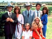 Darsteller der Serie Dallas: Larry Hagmann, Linda Gray, Jim Davis, Patrick Duffy, Victoria Principal, Barbara Bel Geddes, Charlene Tilton